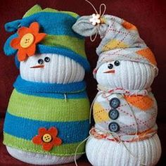 Sock Snowmen. Would make a cute stocking stuffer!