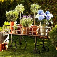 Problems With Vintage Garden Decoration Disclosed The vintage decor has a great deal of sentimental value on them, which is why a number of homeowners find themselves suddenly investing … Diy Vintage, Vintage Garden Decor, Vintage Gardening, Diy Garden Decor, Garden Decorations, Organic Gardening, Gardening Blogs, Herb Gardening, Vintage Stil