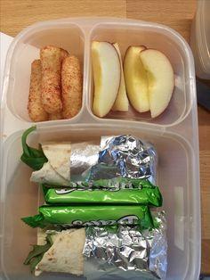 Apfelschnitze, Mais-Cracker, Balisto, Wrap mit Frischkäse und Salat