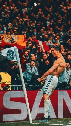 Real Madrid Wallpapers, Celebrity Wallpapers, Do Love Spells Work, Cristiano Ronaldo Wallpapers, Cristano Ronaldo, Bring Back Lost Lover, Black Magic Spells, Strong Love, Year Anniversary Gifts