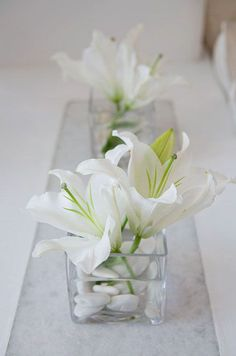 Wedding Flower Arrangements Simple Casablanca lily centerpiece - Planning a spring wedding? These spring wedding flowers are in season and will completely transform your ceremony or reception. Wedding Table Centerpieces, Flower Centerpieces, Centerpiece Ideas, Spring Wedding Decorations, Table Decorations, Lily Wedding, Floral Wedding, Elegant Wedding, Spring Wedding Flowers