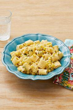 Make Rigatoni With Creamy Corn in Just 30 Minutesthepioneerwoman Pasta Recipies, Corn Recipes, Side Dish Recipes, Yummy Recipes, Yummy Food, Clean Eating Vegetarian, Vegetarian Recipes, Cooking Recipes, Creamy Corn