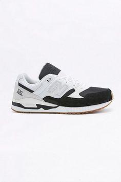 New Balance - Baskets 530 en daim blanches et noires