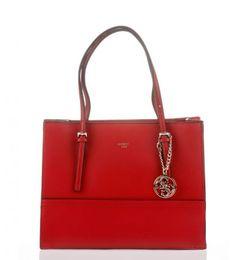 Bolso Guess Tote Bag cherry por 98,90 €, 36 % de descuento  Pedazo de #bolso de la conocidísima marca de moda #Guess, un bolso tanto para el día a día como para momentos #especiales, por si este bolso no os gusta, os dejamos un listado con más bolsos y productos de esta #marca.   #chollos #moda #mujeres #ofertas