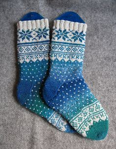 For colour inspiration - pattern in Norwegian. Free sock pattern ann-colinw@xtra.co.nz