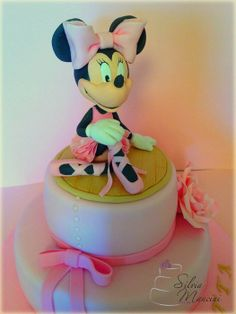 Minnie Ballerina - by Silvia Mancini Cake Art @ CakesDecor.com - cake decorating website