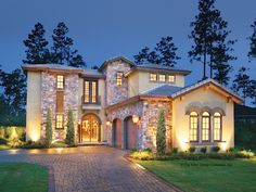 Spanish Style House Plans With Courtyards - Home Design Style At Home, The Plan, How To Plan, Architecture Design Concept, Unique Architecture, Br House, House Floor, Cottage House, Mediterranean House Plans