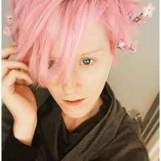 【procerperficio】さんのInstagramをピンしています。 《~🌸🌸🌸~ . . . . #pinkhair #cosplayer #dyedhair #cherryblossoms》