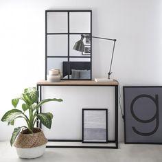 Dual consola, para vestir tu recibidor o ese distribuidor de la mejor forma. También perfecta como mueble auxiliar en tu salón o dormitorio.
