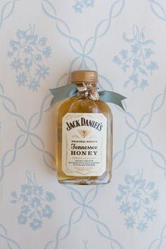 Jack Daniels Honey packaging