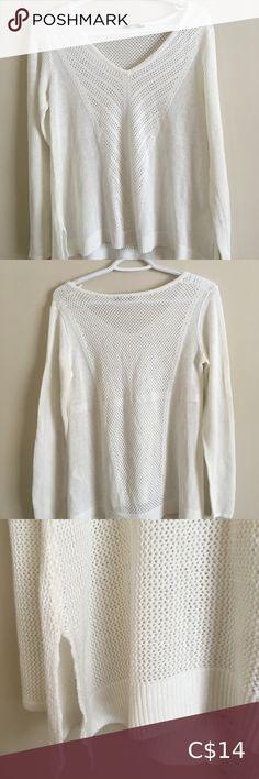 Denver Hayes Women's Medium White Knit Sweater ⭐️ White Colour ⭐️ Women's ⭐️ Size Medium ⭐️ V-Neck Denver Hayes Sweaters V-Necks White Knit Sweater, White Sweaters, Sweaters For Women, Plus Fashion, Fashion Tips, Fashion Trends, Denver, Pullover, Colour