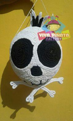 Piñata Skull... ya estamos cerca de los 2000 likes sigan recomendando nuestro trabajo.