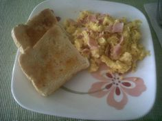 Desayuno hecho por mí.