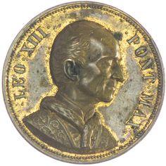 Vergoldete Bronze Medaille 1887 von Schiller, Stuttgart, auf sein 50jähriges Amtsjubiläum. Av: Brustbild nach rechts, Rv: unter Tiara mit Schlüsseln strahlender Kelch mit Oblate, unten Wappe