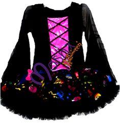 Diseño Mosha Couture de Brujita muy chic, y la clásica elegancia ideal para Halloween.