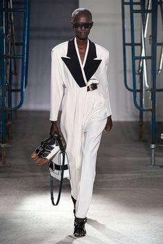 Proenza Schouler Spring 2020 Ready-to-Wear Fashion Show - Vogue Fashion Week Paris, Spring Fashion Trends, Fashion 2020, New York Fashion, Runway Fashion, Fashion Women, Couture Mode, Style Couture, Couture Fashion