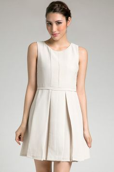 Felice Dress in white by Look Boutique. A simple dress with pleats on skirt. SImple yet stylish. Wear a necklace and complete your look with high heels. http://zocko.it/LDeP2