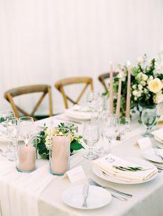 ivory and pale blush classic tablescape | Photography: Luna de Mare