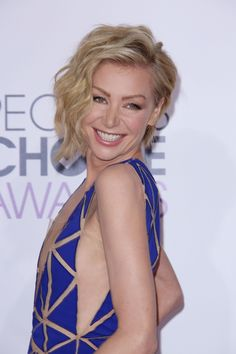 People's Choice Awards 2015 - Portia de Rossi's chic S waves