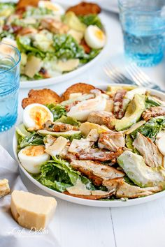 "Skinny Chicken and Avocado Caesar Salad. This is just the best salad ever! It really tastes just like a caesar salad would at any restaurant. I am not so sure about the ""skinny"" part, but sometimes you just need some yum! -A Healthy Recipes, Salad Recipes, Healthy Snacks, Healthy Eating, Cooking Recipes, Clean Eating, Skinny Chicken, Soup And Salad, One Pot Dinners"