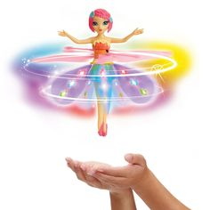 Fairies Flutterbye miracle really can fly and can be controlled as he floats on the palm of the hand, and now they can even reach the sky!