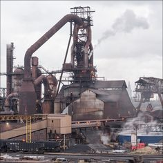 ArcelorMittal Cleveland, blast furnace C5 Industrial Engineering, Industrial Machinery, Abandoned Ships, Abandoned Places, Environment Concept Art, Environment Design, Water Well Drilling, Steel Mill, Unusual Buildings