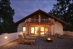 Im Hotel #Chiemgauhof am #Chiemsee kann man die schönsten Sonnenuntergänge genießen. Als luxuszeit.com Bloggerin Isabella da war, hat's zwar nur geregnet, aber einen Sundowner gab's trotzdem.