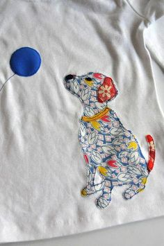 Sew T-Shirt Aesthetic Nest: Sewing: Dog Appliqued T-Shirt (Tutorial and Template) T Shirt Tutorial, Applique Tutorial, Applique Templates, Applique Patterns, Sewing Patterns, Owl Templates, Applique Ideas, Felt Patterns, Free Motion Embroidery