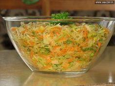 Surówka z kiszonej kapusty i pora Raw Food Recipes, Salad Recipes, Cooking Recipes, Healthy Recipes, Healthy Salads, Smoothie Recipes, Crudite, Vegan Lunches, Appetizer Salads