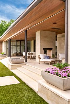 Modern House with Front Yard. 20 Modern House with Front Yard. 42 Cool and Beautiful Front Yard Landscaping Ideas On A Bud Concrete Patio Designs, Concrete Patios, Pergola Designs, Patio Stone, Flagstone Patio, Concrete Houses, Backyard Designs, Wood Patio, Modern Front Yard