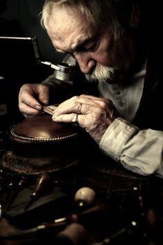 BJOP (Bijouterie, Joaillerie, Orfèvrerie, des Pierres et des Perles) on L'oeil du luxe, L'excellence du savoir-faire Francais.