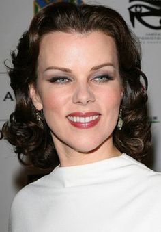 Debi Mazar highlights her eyes with smoky effect. From the creator of Sex and The City, 'Younger' stars Sutton Foster, Hilary Duff, Debi Mazar, Miriam Shor and Nico Tortorella. Discover full episodes at http://www.tvland.com/shows/younger.
