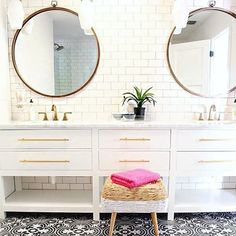 One of our fave bathroom designs this year!  Dryden collection featured  Design and photo by @thehouseofsilverlining