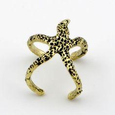 Metal ring in star shape
