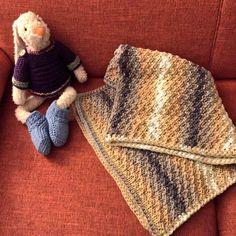 Sjaal/omslagdoek. Vraag mij, ik brei  #tegendonatie #NAH #breiNwerk #breien  #knitting #kids #kidswear #homemade #withlove #knitwear  #nietaangeborenhersenletsel