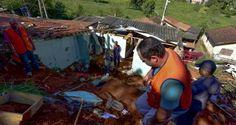 Defesa Civil interdita três casas em São José após deslizamentos de terra | Infotau Vale