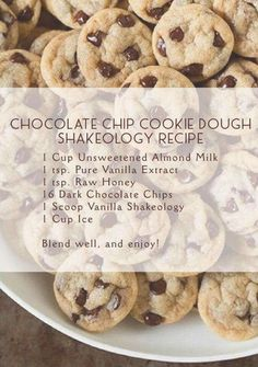 Chocolate Chip Cookie Dough Shakeology Recipe - added caramel and cocoa Shakeology Shakes, Beachbody Shakeology, Vanilla Shakeology, Chocolate Shakeology, Shakeology Mug Cake, Vegan Shakeology, 21 Day Fix, Protein Shake Recipes, Smoothie Recipes