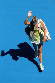 The second upset of the women's draw, Maria Sharapova's Australian Open 2013 ends in a straight set defeat by #Li Na. #ausopen #tennis