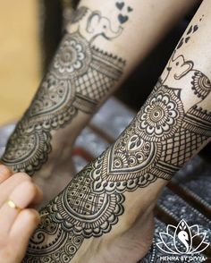 Who doesn't love cute little elephant motifs in their henna?  #tb to Prayosha's bridal henna 😊