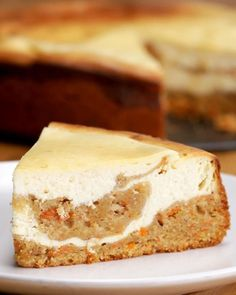 Delicious desserts await you with this Carrot Cheesecake, made with gluten free flour. No Bake Desserts, Just Desserts, Delicious Desserts, Dessert Recipes, Yummy Food, Carrot Cake Cheesecake, Cheesecake Recipes, Cheesecake Cupcakes, Food Cakes
