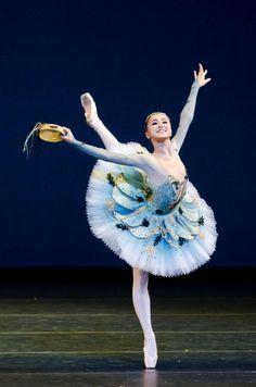 "<<Miko Fogarty (In she joined the Birmingham Royal Ballet) # ""Esmeralda Variation"">> Ballerina Dancing, Ballet Dancers, Ballerinas, Ballet Feet, Ballerina Dress, Ballet Class, Shall We Dance, Just Dance, Ballet Costumes"