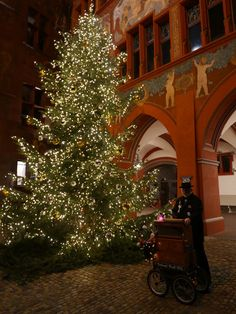Weinachts Stimmung in Basel. by percy ottinger