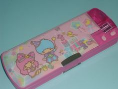 Pop-up pencil cases! Little twin stars :)  I totally had one of these!!