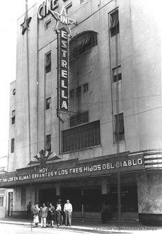 El Cine Estrella en las calles de Fernando Alva Ixtlixochitl y San Antonio Abad,  en la Colonia Obrera.  Hoy ya ha desaparecido.