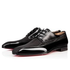 Christian Louboutin United States Official Online Boutique - Orleaness Flat Black Leather available online. Discover more Men Shoes by Christian Louboutin Cheap Red Bottom Heels, Red Bottom Shoes, Baskets, Louboutin Online, Mens Designer Shoes, Black Dress Shoes, Red High Heels, Red Bottoms, Men's Shoes