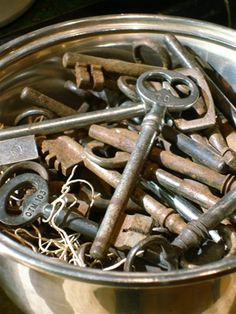 Who doesn't love the mystery of a skeleton key?