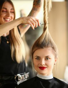 If you have no time to go to a hair salon to get your hair cut done. In this post, we have included few steps to cut your own hair. Cut Own Hair, Cut Hair At Home, How To Cut Your Own Hair, Hair Cuts, Classic Hairstyles, Down Hairstyles, Wedding Hairstyles, Easy Mom Hairstyles, Shag Hairstyles