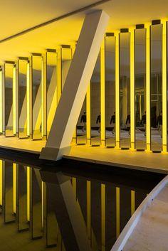 Inside the horizon • Artwork • Studio Olafur Eliasson Inside the horizon, 2014 Fondation Louis Vuitton, Paris, 2014 Photo: Iwan Baan