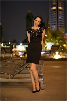 Fashion blog update – black minidress with Louboutin Filo Highheels on a warm evening at the river in Bangkok, Thailand - Pool at the Sheraton Royal Orchid