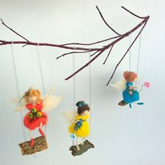 Fairy mobile Waldorf dolls on swing Natural wool Wood decoration Housewarming Nursery mobile Baby crib Child Vivid colors Custom decoration